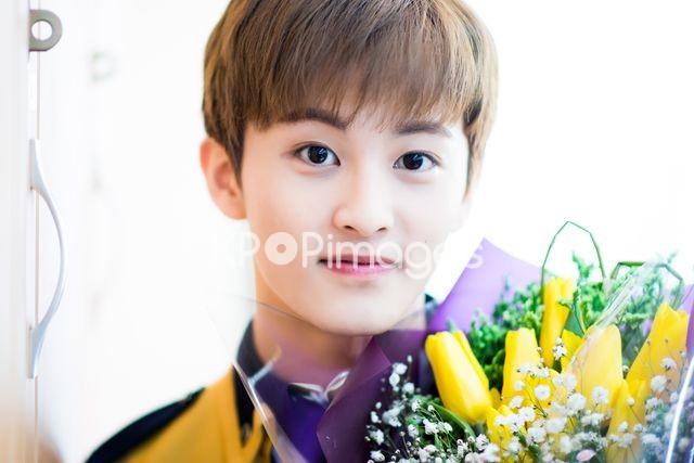 NCT 127,Mark,Close up