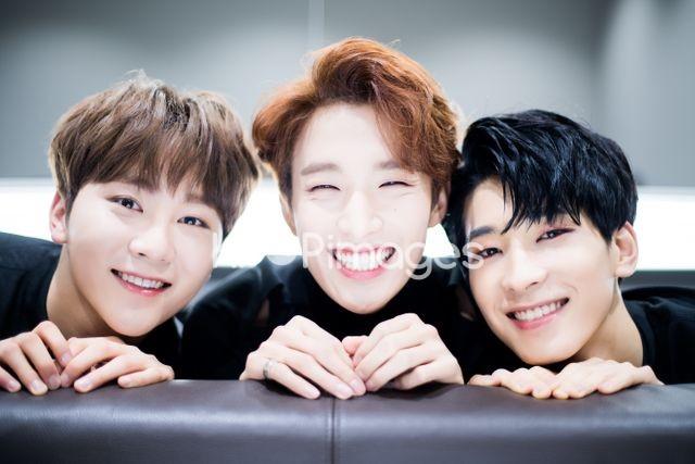 Seventeen,DK,Seungkwan,Wonwoo,Close up