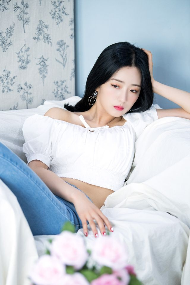 A Pink,Half shot,Yoon Bo Mi