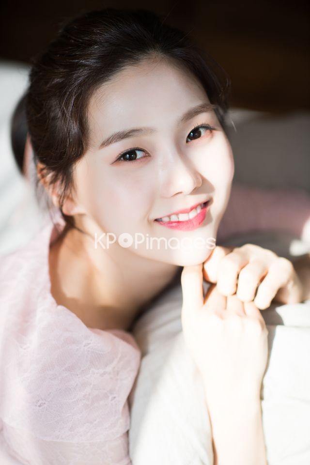 OH MY GIRL,Hyojung,Close up