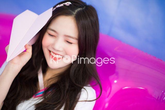 OH MY GIRL,Half shot,Hyojung